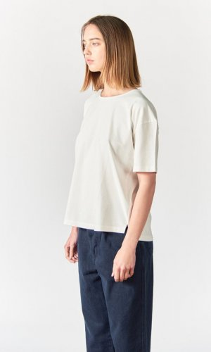 Aron Cream Boxy Loose T-Shirt