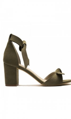 Estela Vegan Green Sandals in size 4