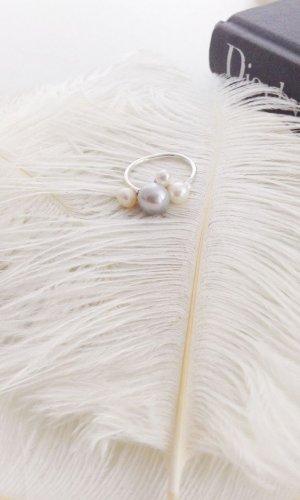Ingrid Grey Pearl Cluster Ring