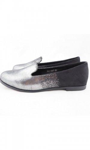 Ava Metallic Sneaker