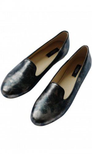 Xandra Marbled Black Loafer