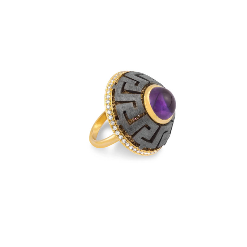 Andromeda ring is available in yellow Gold 18K featuring Amethust 3.74 ct