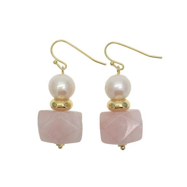 Round Freshwater Pearl Faceted Rose Quartz Drop Earrings. These earrings are made of  freshwater pearls, faceted aquamarine and gold plated brass fillings.