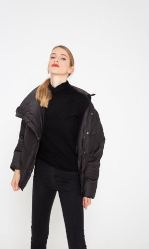 Black wind breaker