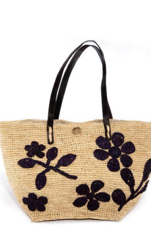 Aude Bag, made with 100% raffia and 100% zebu leather for the strap
