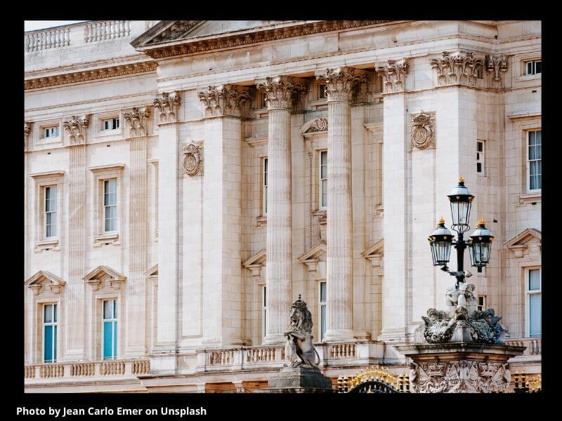 Bukingham Palace Banner