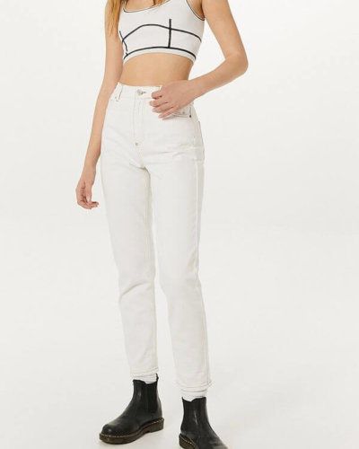 spring essential Urban outfitters BDG Optic White Mom Jeans
