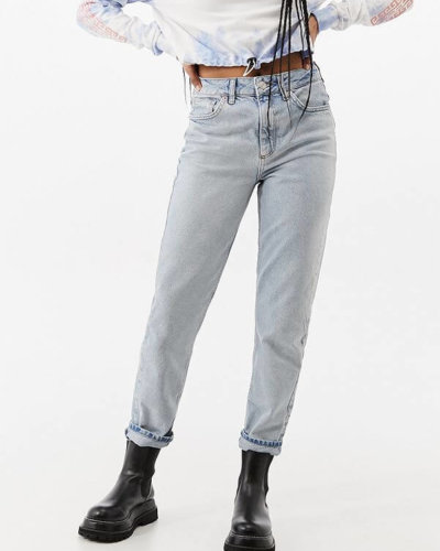 urban outfitters BDG Summer Wash Vintage Mom Jeans