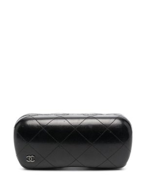 Chanel Pre-Owned 2000s CC diamond-quilted sunglasses case - Black