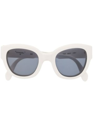 Chanel Pre-Owned logo rounded sunglasses - White