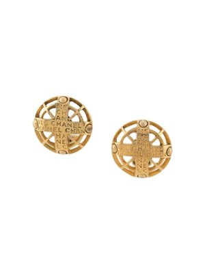 Chanel Pre-Owned 1975-1985 logo button earrings - Gold
