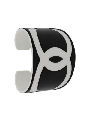 Chanel Pre-Owned 2006 CC logo cuff bracelet - Black
